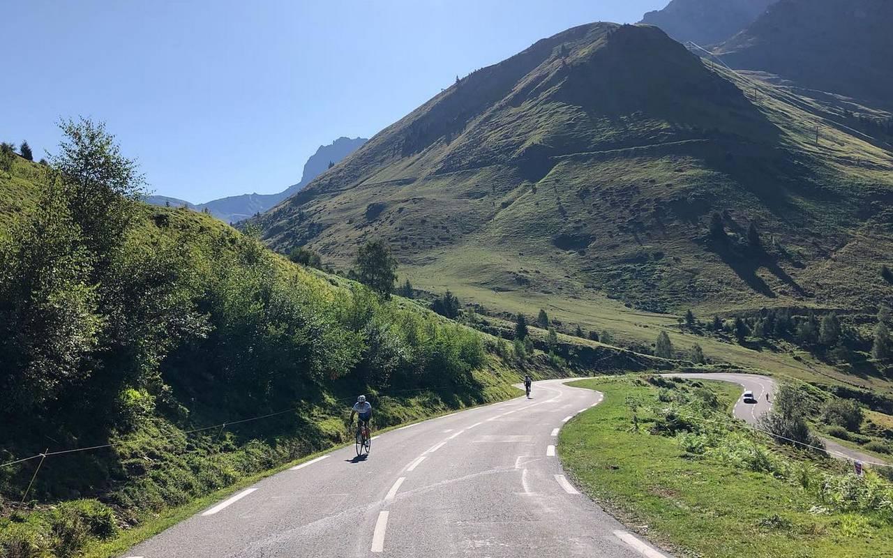 Bike trek, Lourdes activities, Hôtels Vinuales