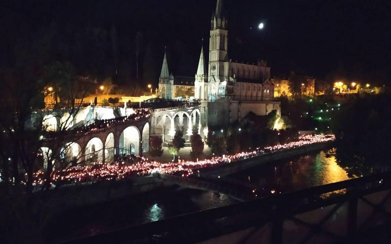 Sanctuary by night, Lourdes activities, Hôtels Vinuales