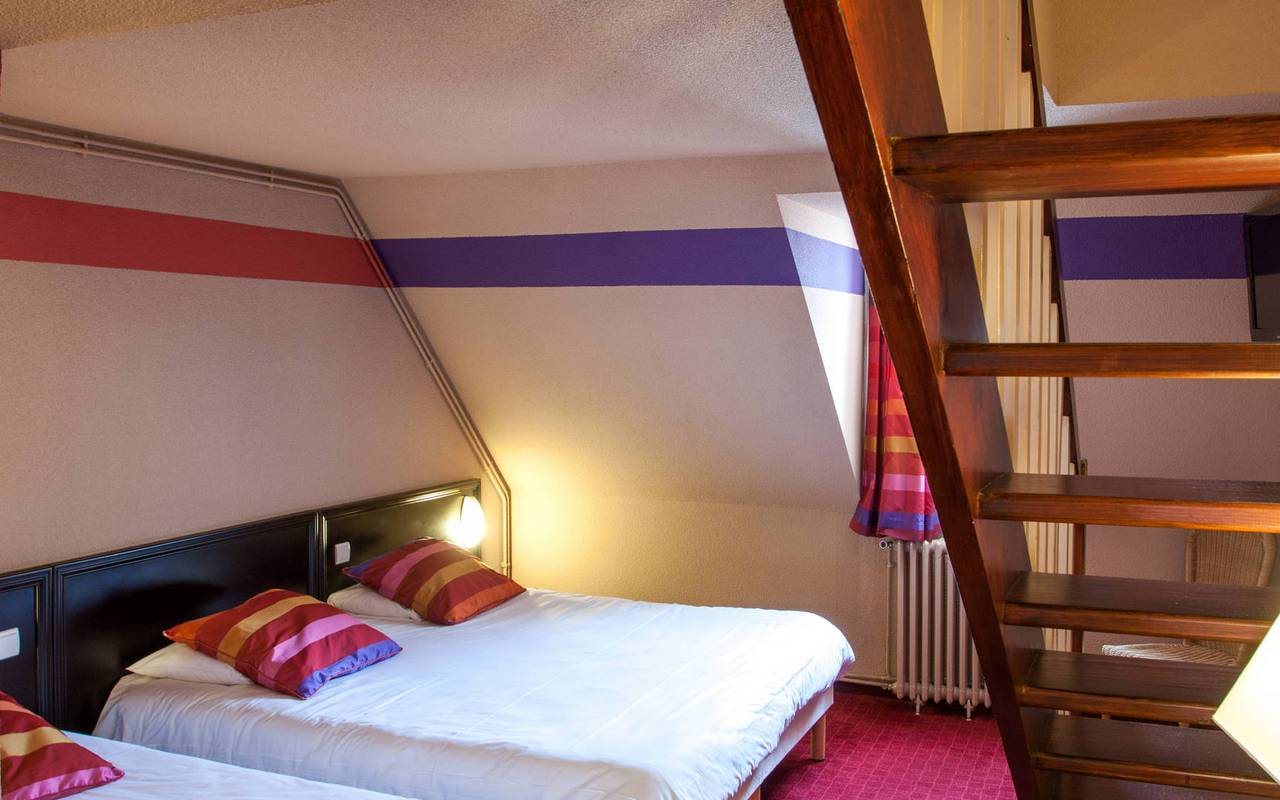 Triple room with a single bed and a double bed, places to stay in lourdes, Hotel Saint-Sauveur.